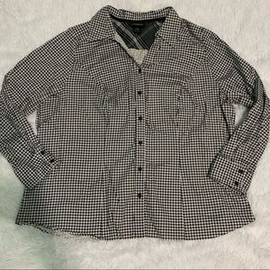 LANE BRYANT houndstooth button long sleeve top 26